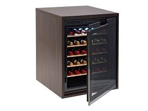 Garrafeiras indeb com porta de vidro e várias prateleiras para vinho