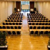 mesas cadeiras sala de convenções